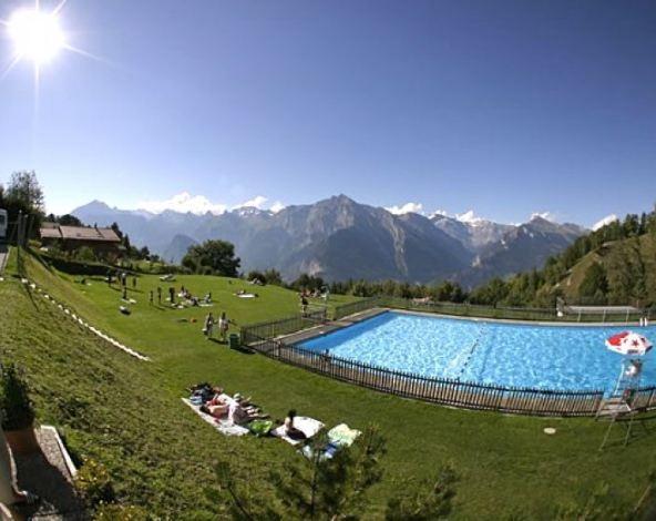 Nendaz swimming pool