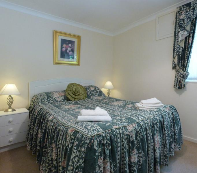 Double bedroom 3 - cosy bedroom with fitted wardrobe & hand basin