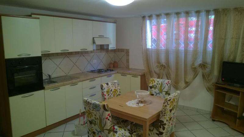 Summer apartment in Piombino, vacation rental in Populonia