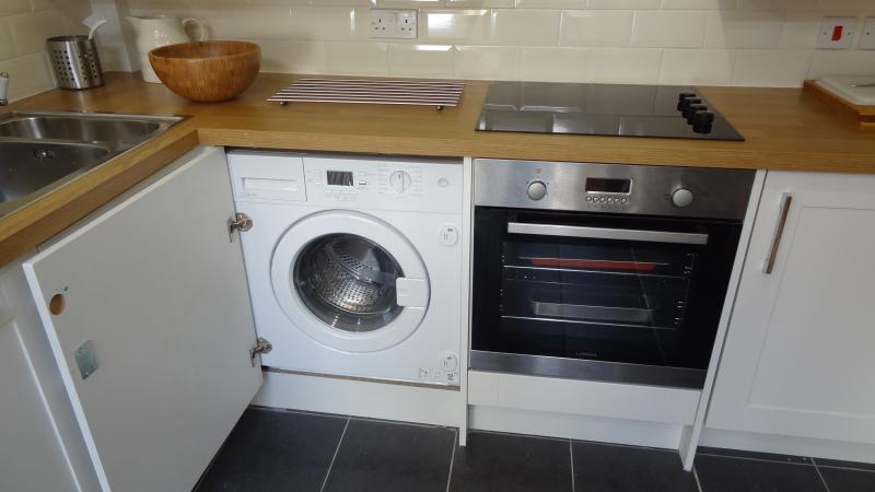 Washing machine and cooker