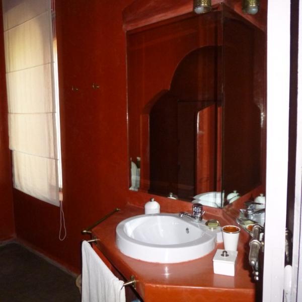 bathroom Room grenat
