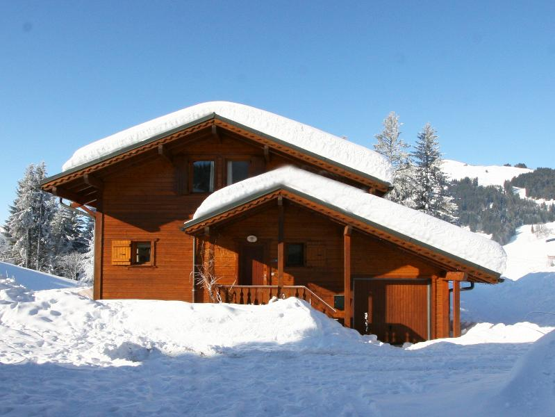 Snowy Chalet Les Mures