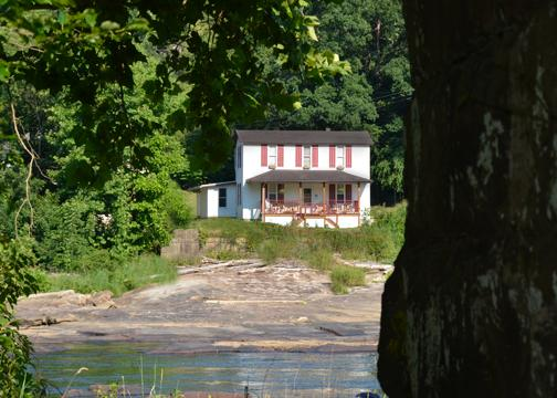Charming Riverside Guest House & Retreat, vacation rental in Philippi
