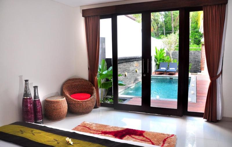 Poolview comfort master bedroom