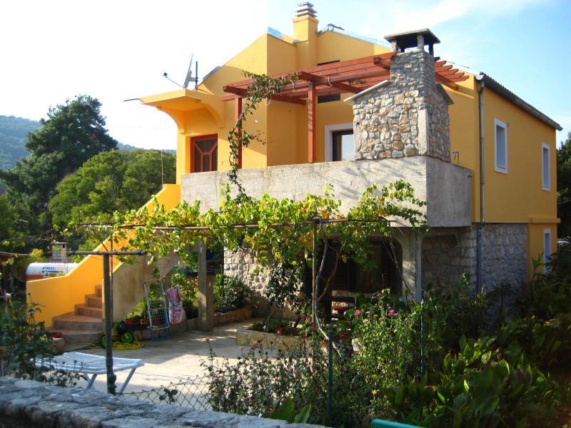 Veli Losinj Apartment Astrid, vacation rental in Veli Lošinj