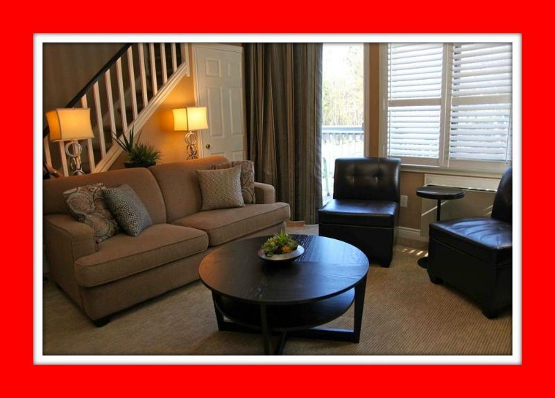 Fabulous 2 Bdrm, 2-Level Condo on Blue Mountain, vacation rental in Craigleith
