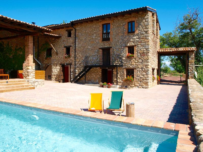 Cal Pesolet Eco Turisme Rural in summer