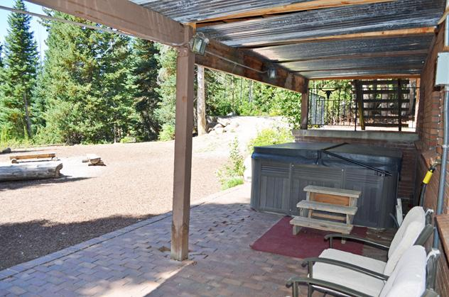 Hottub and outdoor fire pit