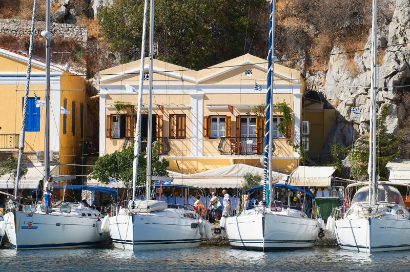 Symi Port View apartment, holiday rental in Ano Symi