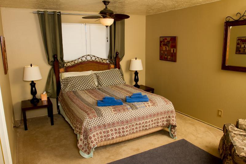Queen Bed - 2nd Bedroom