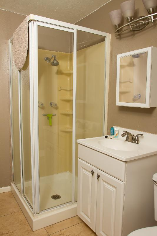 On-suite bathroom to the King size bedroom