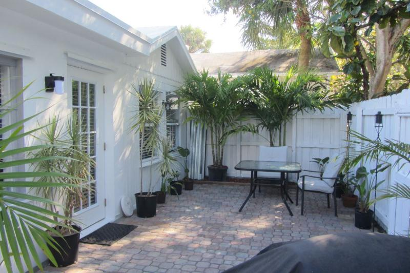 Private Cottage - Ft. Lauderdale Vacation Rental