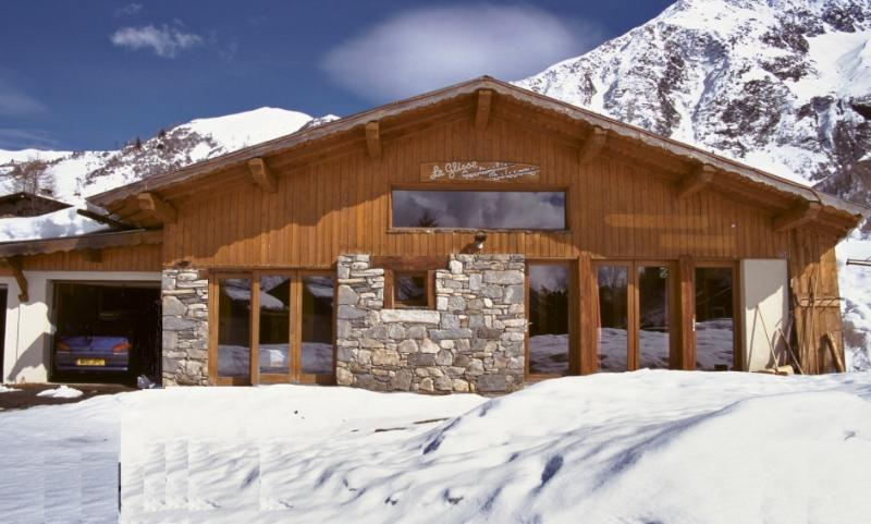Rustic converted restaurant on edge of the piste - 30m to the lifts and ski back home