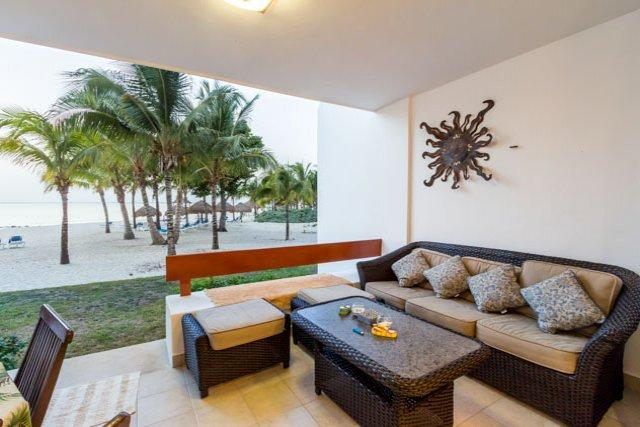 Casa Colorado (5130)—Step off the Terrace and Right onto the S, vacation rental in Cozumel