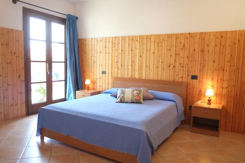 Agriturismo Sant'Anna app. La Cantina, vakantiewoning in Pomarance