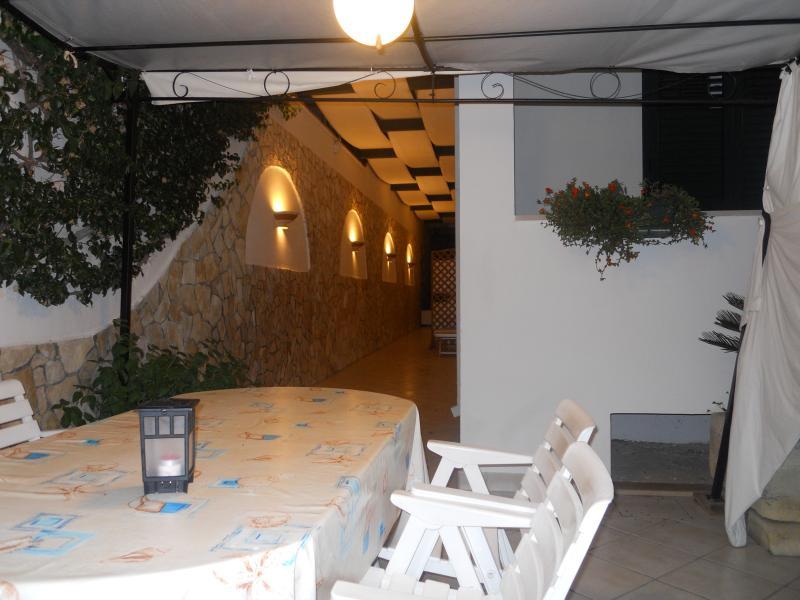 veranda con gazebo esterno