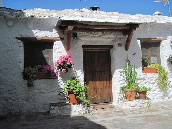 It's a very comfortable and genuine Alpujarra village house