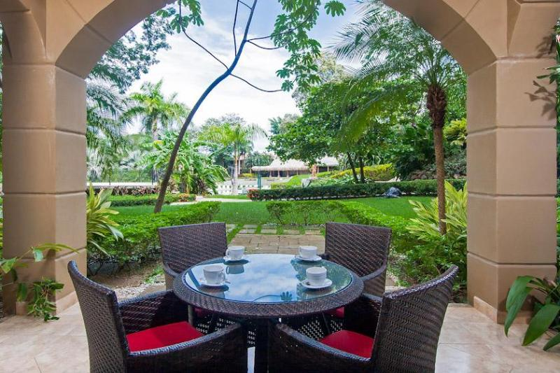 Private outdoor dining area