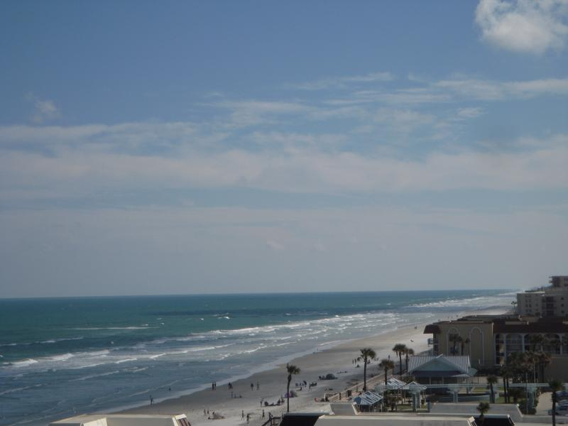 Relaxing Ocean Front Condo in New Smyrna Beach, vacation rental in Edgewater