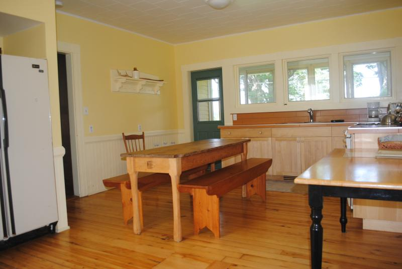 Large fully equipped kitchen, with room at the table for large groups
