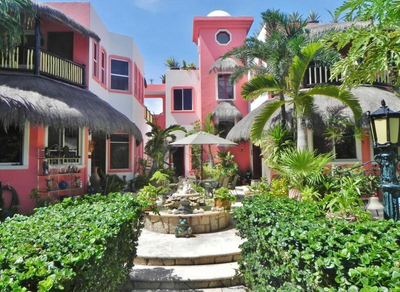 Casa Gatos - At home comfort in a  B outique Villa Apartment