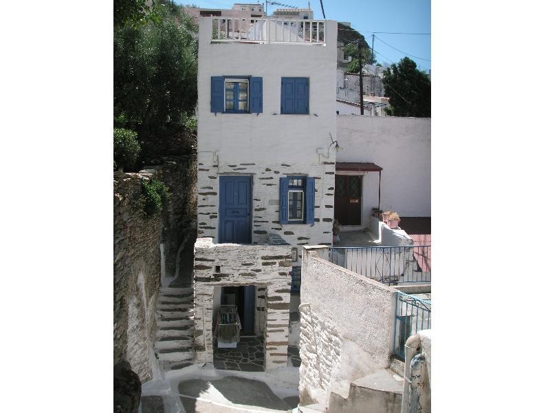 3-floor doll-house in Kea Ioulida / Chora, Cyclades, alquiler vacacional en Ceos