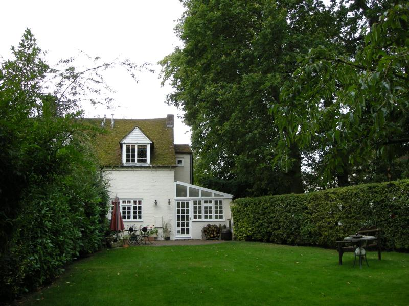 Secluded cottage with private garden