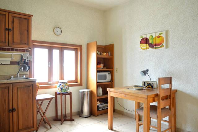 El Pinito with every thing at walking distance, vacation rental in Tlaquepaque