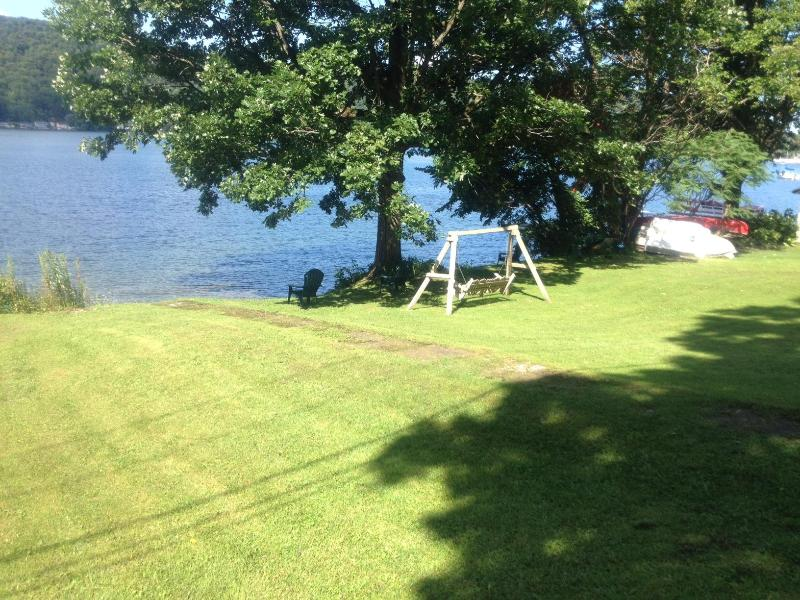 Private lot to relax and have fun with our kayaks, rowboat, paddleboat and canoe.