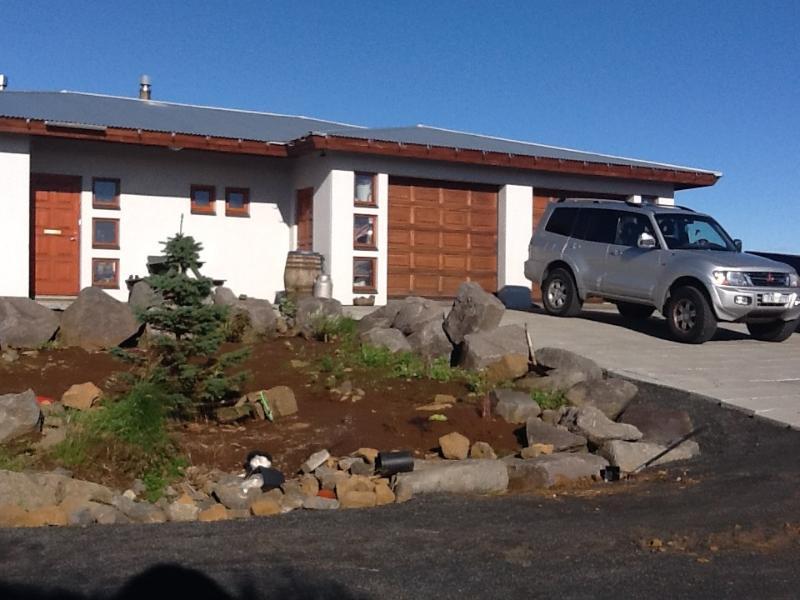 Peaceful New Villa Near the Blue Lagoon, location de vacances à Njardvik