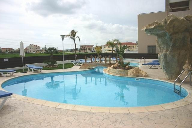 Pyla Palms Studio Apartment near Laranca, Cyprus, holiday rental in Dhekelia