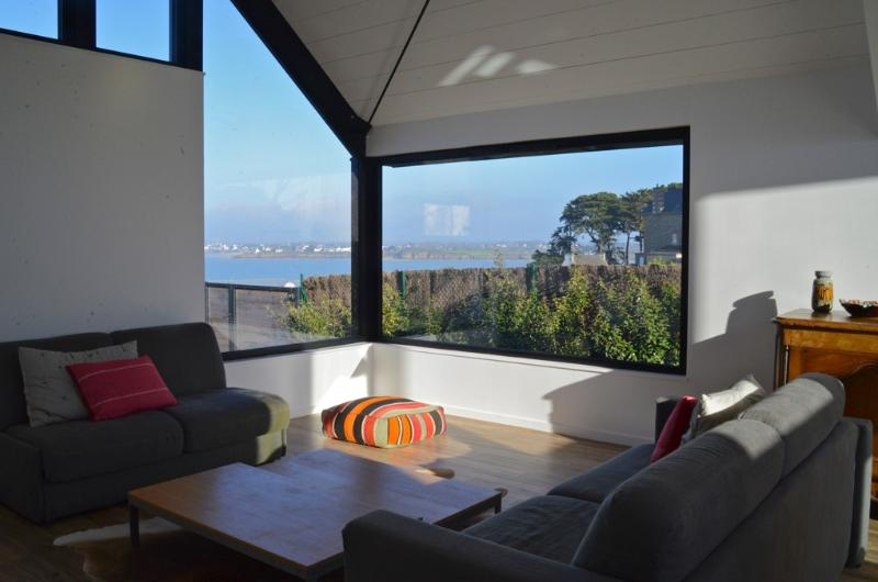 Maison d'architecte Bretagne, holiday rental in Crehen