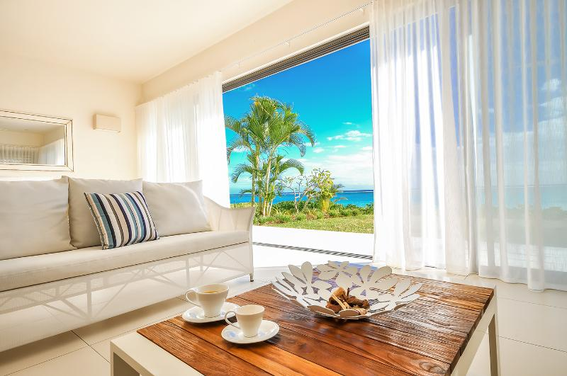 Cap Ouest 2 Bedrooms Beachfront Suite, Ferienwohnung in Flic en Flac