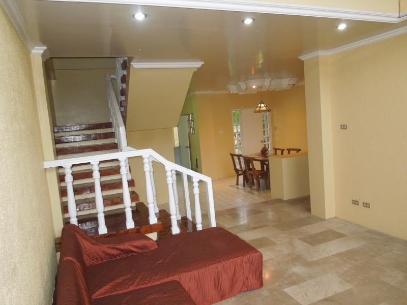 Barrio Barretto House, Subic Bay, holiday rental in Zambales Province