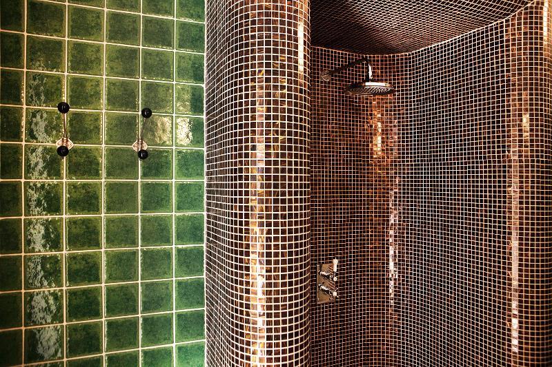 bathroom with big shower
