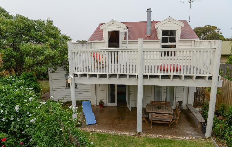 The Surfers Palace Torquay Oasis 1 minute to beach, location de vacances à Freshwater Creek