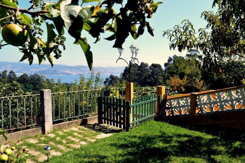 Jardin con vistas a la Ria de Vigo