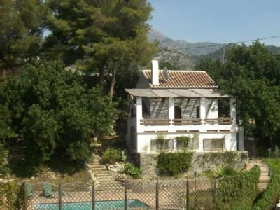 Casa de campo con piscina privada y vistas al mar for Casa de campo con piscina privada