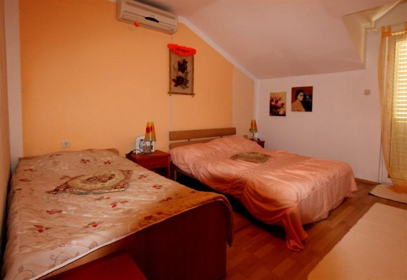 Apartment on Lopud 2, vacation rental in Sudurad