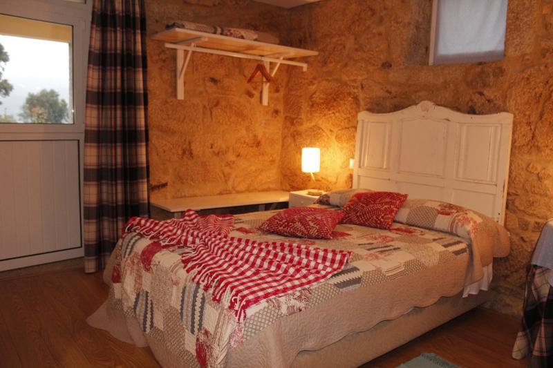 Casa da Nininha - T0 Azul Claro, vacation rental in Vale de Cambra