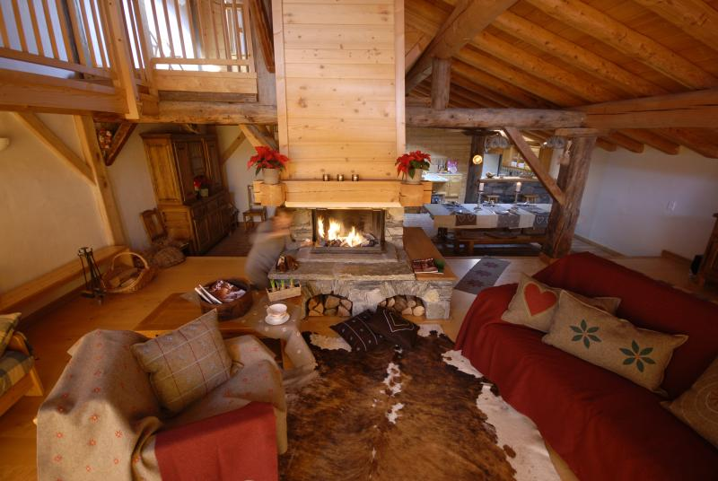 La Rosière.Grand chalet 22/12/9 pers. Sauna Jardin, vacation rental in Montvalezan