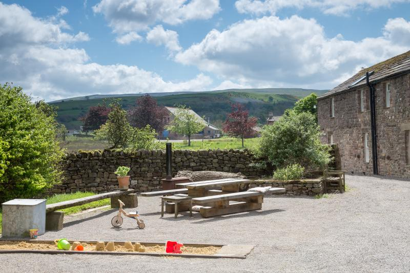 Nelson Barn is surrounded by stunning rural landscape, walking, cycling, star gazing, yours to enjoy