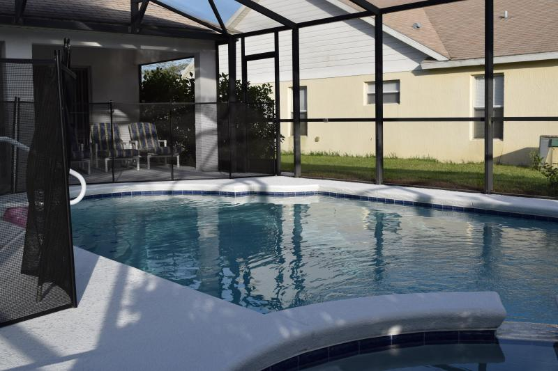 Private Pool with Removable Child Safety Screen