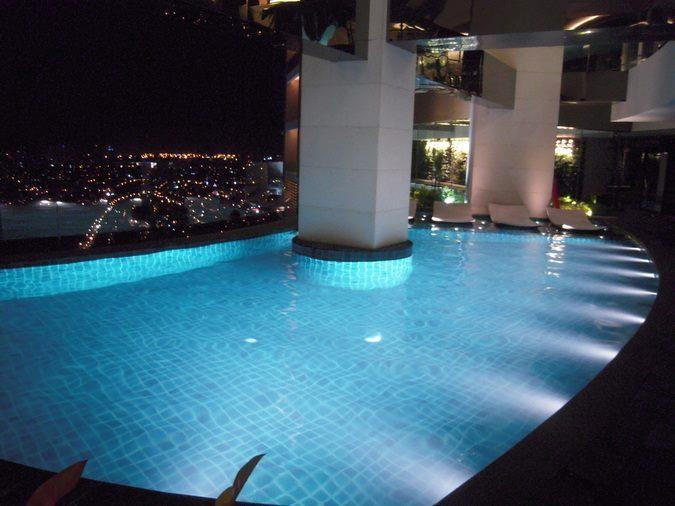 Gramercy Residences with balcony, holiday rental in Makati