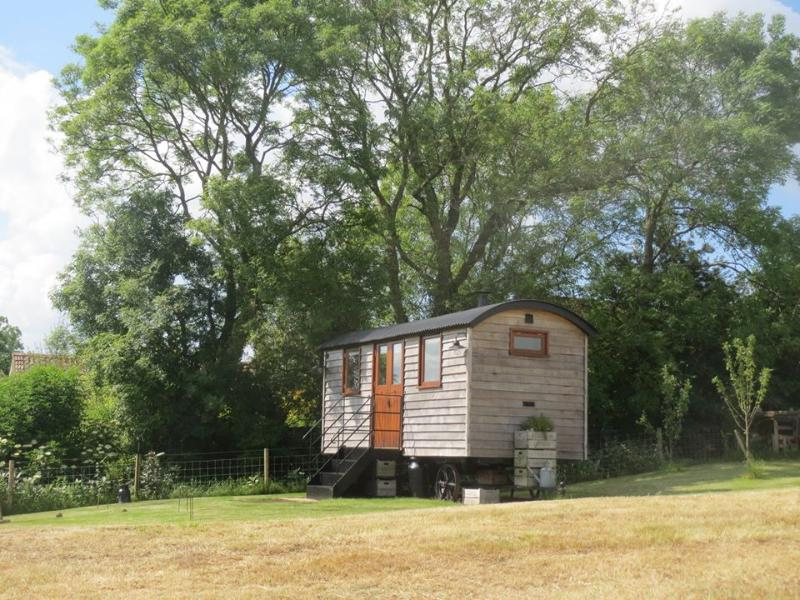 Len's Hut is likely to be Somerset's best kept secret until now. Perched high up on the Mendip Hills