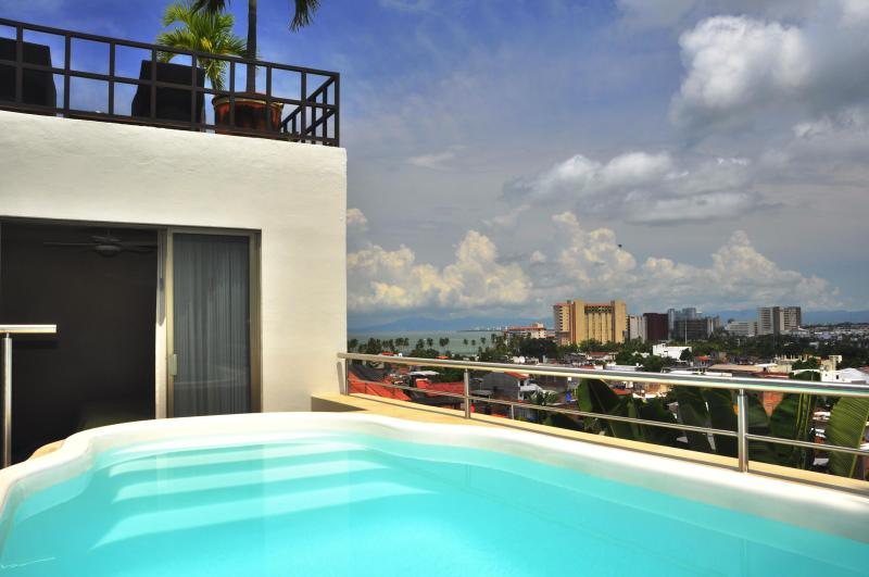 Villa Europa - Private Luxury Independent Home - Downtown and Beach, holiday rental in Puerto Vallarta