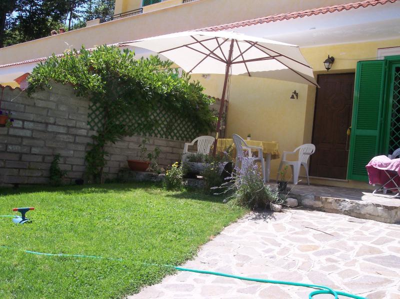 Altipiani di arcinazzo, nel verde con giardino, holiday rental in Bellegra