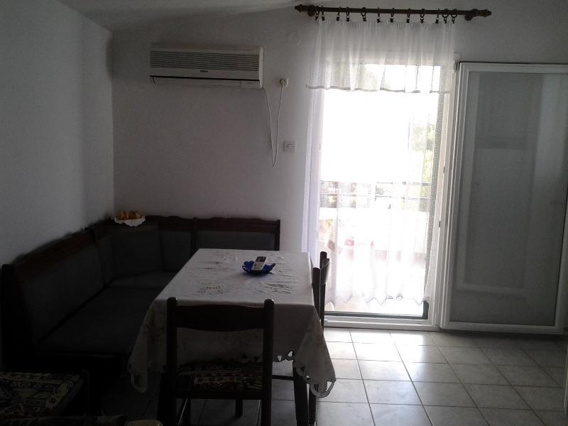 Apartmani Rosa  Kaprije, location de vacances à Kaprije