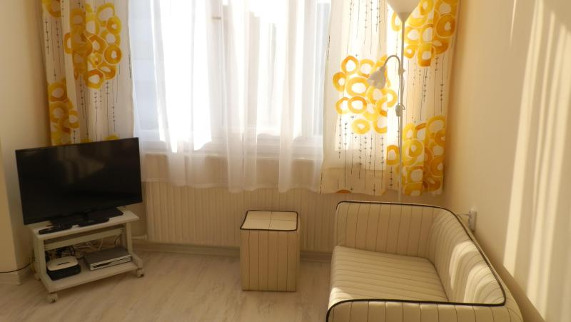 Snug apartment in secured building, holiday rental in Sofia