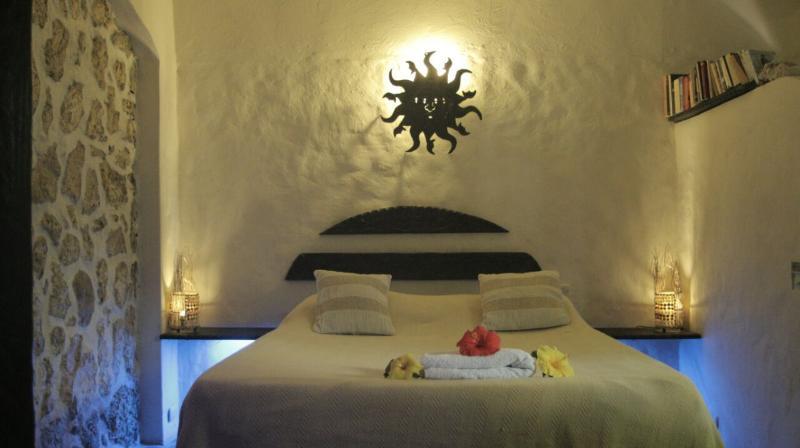 Room caracol